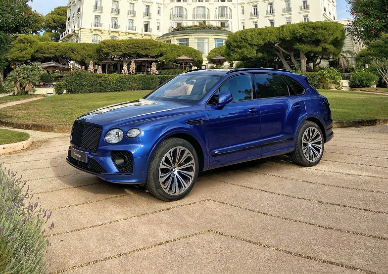 Bentley Monaco presents the new Bentayga V8